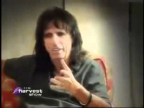 Alice Cooper Shares His Testimony